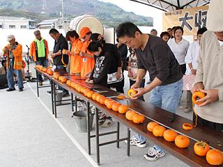 柿の皮むき大会